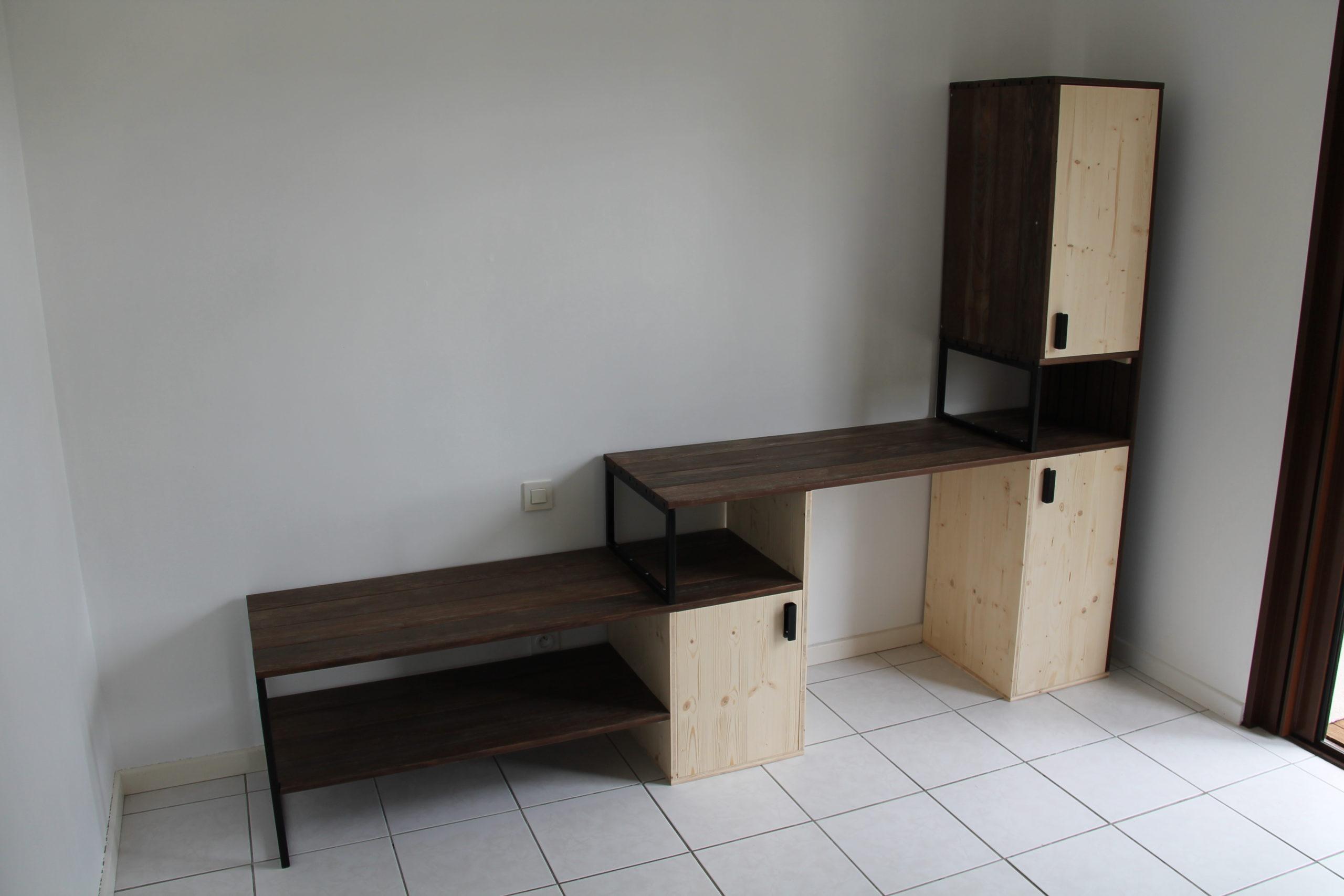 Premier meuble avec lames de parquet